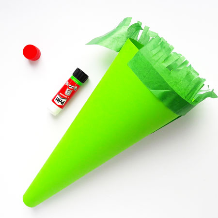 DIY Party Trumpet or Megaphone for kids. Art and craft project with step by step guide.